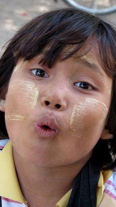 Cheeky Burmee girl #myanmar #travel #travelphotography #burma