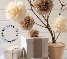 My boyfriend's daughter made these easy DIY paper tissue flowers (aka tissue paper pom-poms) in school and she showed me how to do them using a napkin one day while we were waiting for our lu… Pom Pom Flowers, Tissue Paper Flowers, Diy Flowers, Diy Wedding Projects, Diy Projects, Wedding Crafts, Wedding Ideas, Project Ideas, Tissue Paper Pom Poms Diy