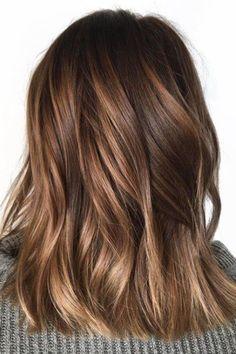 Tortoiseshell hair color brightens brunette this summer Honeybrown hair #beautynails