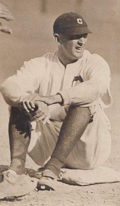 Shoeless Joe Jackson back in 1912 while playing for the Cleveland Naps. Osu Baseball, Cleveland Baseball, Youth Baseball Gloves, Indians Baseball, Baseball Uniforms, Baseball Photos, Cleveland Indians, Baseball Stuff, Sports Photos