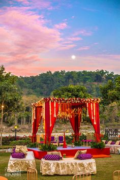 Looking for latest Outdoor Wedding Decorations? Check out the trending images of the best Indian Outdoor Wedding Decoration ideas. Desi Wedding Decor, Wedding Stage Decorations, Wedding Mandap, Backdrop Decorations, Wedding Ideas, Trendy Wedding, Wedding Receptions, Wedding Dresses, Wedding Bride