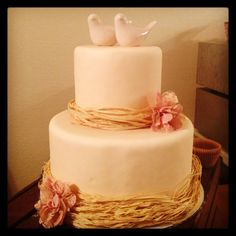 Rustic romantic wedding cake 2013 trend #wedding #cake #rustic