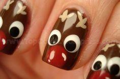 Unhas pintadas de Rudolph .    Visite nosso portal que está intermendiando sonhos no Natal    www.cartinhaaopapainoel.com.br