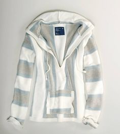This looks so comfy! Thinking about wearing it on cooler summer nights.