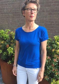 Cobalt blue T-shirt version 2.0