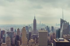 Falling in love in the Big Apple...there's something about getting caught in between the moon and New York City.   http://www.gettheregetlost.com/blog/2016/2/list-ultimate-romantic-getaways