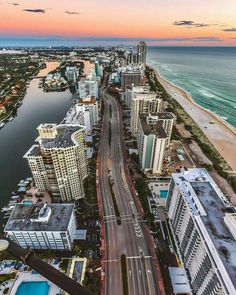 Miami, Florida by - Brickell Miami - Consejos para Viajes Florida Home, Miami Florida, Florida Beaches, South Florida, San Diego, San Francisco, Florida Wallpaper, City Wallpaper, San Antonio