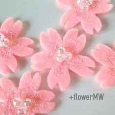 【flower_mw2016】さんのInstagramをピンしています。 《桜*フェルトの立体シール #minne #ミンネ #ミンネで販売中 #手作り #ハンドメイド #フェルト #ビーズ #桜 #さくら #シール #ラメパウダー #handmade #felt #beads #cherryblossom #sakura #sticker #glitter #春 #spring》
