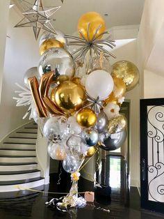 World's Best Bouquets — World's Best Balloons Bachelorette Decorations, Birthday Balloon Decorations, Birthday Balloons, Balloon Arrangements, Balloon Centerpieces, Big Balloons, Black Balloons, Balloon Gift, Balloon Garland