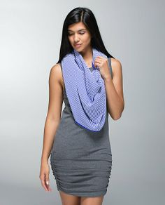 Pin for Later: Wear It to Work Out, Then Head to Coffee Vinyasa Scarf Lululemon Vinyasa Scarf, Lulu Love, Fitness Fashion, Fitness Style, Headbands For Women, Athletic Outfits, Peplum Dress, Active Wear, Blue And White