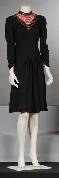 SCHIAPARELLI  Haute couture n°424 circa 1938 /1940 Broderies réalisées par la maison Lesage