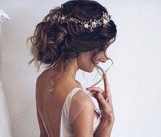 45 Elegant Wedding Hairstyles Ideas For Medium Hair - Site Today Hairdo Wedding, Elegant Wedding Hair, Wedding Hair And Makeup, Wedding Hairstyles, Hair Makeup, Elegant Hairstyles, Bridal Hair Inspiration, Hair Decorations, Bridal Headpieces