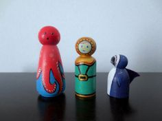 Peg Dolls & Carrying Case Hand-painted Tiny by TinyTalesByBonnie