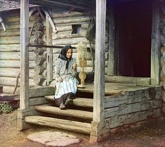Spinning yarn. In the village of Izvedovo, by Sergey Mikhaylovich Prokudin-Gorsky , 1910