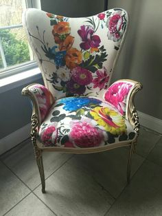 Had this heirloom reupholstered with Amrapali fabric! Had this heirloom reupholstered with Amrapali fabric! Funky Furniture, Unique Furniture, Furniture Makeover, Painted Furniture, Chair Makeover, Shabby Vintage, Muebles Shabby Chic, Cool Chairs, Metal Chairs