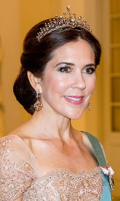 Royal jewels and tiaras spotted at Crown Prince Frederik of Denmarks's birthday party - Photo 12 Royal Crown Jewels, Royal Crowns, Royal Tiaras, Royal Jewelry, Tiaras And Crowns, Pippa Middleton, Grace Kelly, Adele, Mary Donaldson