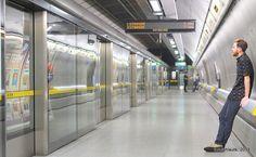 Southwark Underground Station London Underground (The Tube) London, UK London Underground, Tube, Waiting