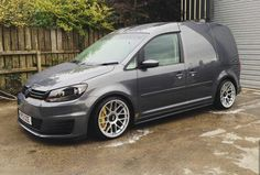 Volkswagen Touran, Vw Bus, Vw Cady, Vw Caddy Tuning, Caddy Van, Cool Vans, Vans Style, Luxury Suv, Custom Vans