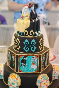 day of the dead wedding cakes and toppers- had to re-pin this because it's just to fun not to!