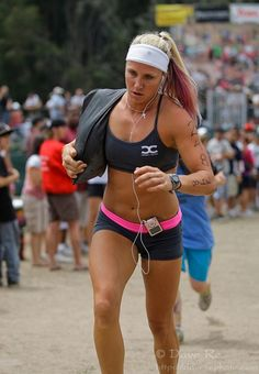 I know everyone is looking how fit she is, I am looking at her sweat headband! I so need some sort of cool sweatband!