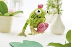 """Free crochet patterns for the cutest Valentine's Day animals ever! Say """"I love you"""" with these sweet amigurumi. Make one for your loved one to snuggle with this Valentine's Day! Crochet Frog, Crochet Amigurumi, Amigurumi Patterns, Crochet Dolls, Crochet Baby, Free Crochet, Knit Crochet, Crochet Patterns, Amigurumi Toys"""