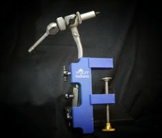 Wolff Versa-Clamp (shown with Apex Vise) will clamp to surface of almost any thickness