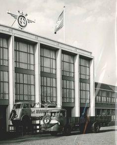 Eindhoven – Op 3 april van dit jaar kwam onze huidige Koning, toen nog als Kroonprins naar Eindhoven. Door de eerste nieuwe DAF XF met Euro 6-moter van de band te rijden, gaf hij het startschot voor de productie van het nieuwe vlaggenschip. In 1955, op 4 mei van dat jaar, was er niet zulk hoog bezoek, maar feest was er wel aan de Geldropseweg. Op die dag rolde namelijk het 10.000ste chassis van de productielijn. Klik op de afbeelding voor het hele verhaal!