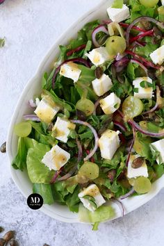 Sałatka z fetą, pestkami dyni i winogronami   Moja Delicja Cooking Tri Tip, Cooking Bread, Cooking Ribs, Salad Recipes, Snack Recipes, Snacks, How To Cook Artichoke, Leafy Salad, How To Cook Ribs