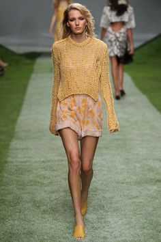 Topshop Unique | Spring 2014 Ready-to-Wear Collection | Style.com