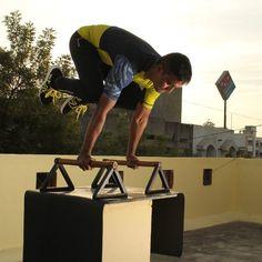 #yoga#poweryoga#yogaflow#yogalove#namaste#namasteyoga#vinyasayoga#ashtangayoga#karmayoga#instayoga#instafit#crossfit#calisthenic #planch#tuckplanch#handstand#bodyweight#pole#gymnasticlub#crossfit by apreshyoga