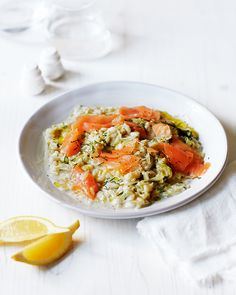 No-stir lemon, leek, smoked salmon and dill risotto recipe Salmon And Rice, Lemon Salmon, Midweek Meals, Weeknight Meals, Lemon Recipes, Savoury Recipes, Risotto Recipes, Rice Dishes