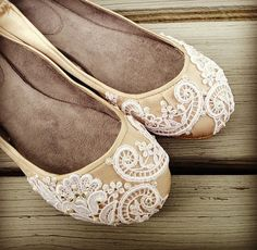 French Pleat Bridal Ballet Flats Wedding Shoes - All Full Sizes - Pick your own shoe color and crystal color . This is my dream come true. #dreamcometrue