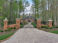 My dream gate!! Entrance into my estate :)