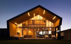Rusted Steel Cladding House with Crafted Interior Finishes http://homeworlddesign.com/rusted-steel-cladding-house-crafted-interior-finishes/
