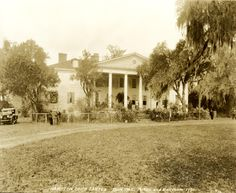 Hampton Plantation in 1923. Soulful, haunted, beautiful.