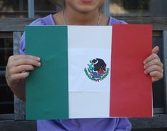 A craft and the story behind the Mexican Flag. This is a great cultural lesson for kids that teachers or families can use in a Mexico unit or for cinco de mayo, Mexican Independence Day, or other lessons celebrating Latin America. Geography For Kids, Geography Lessons, World Geography, Around The World Theme, Flags Of The World, Mexico Crafts, Mexican Independence Day, Culture Day, Mexican Flags
