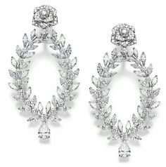 Piaget Rose Passion earrings in white gold set with 214 brilliant-cut diamonds, 72 marquise-cut diamonds and 2 pear-shaped diamonds. High Jewelry, Luxury Jewelry, Jewelry Stores, Jewelry Accessories, Jewelry Design, Jewellery Box, Piaget Jewelry, Diamond Jewelry, Diamond Earrings