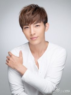 """""""(Aaron featured in Taiwan heme's WB Updates): The pastels range, isn't he very 'sunshine'? Here, take the pics~ Blue, refreshing, A Bu (Aaron) remains handsome! Young Actors, Hot Actors, Actors & Actresses, Hot Asian Men, Asian Love, Pretty Men, Gorgeous Men, Crush Pics, Aaron Yan"""