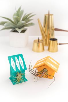 Are you looking for a DIY spring craft idea that pays homage to the 1960s mid-century era that you love? Then try this weekday or weekend afternoon wood craft on for size! These unusual painted birdhouses sport that telltale retro inspired personality that you're drawn to, and can double as whimsical air plant holders once you're done crafting them. Visit our blog to print our free template and  follow the easy step-by-step instructions from @dreamgreendiy