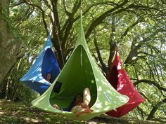 Are you kidding me!?!? It does not get any more awsome!!! Hammocks who? Porch swing what? Modern Hammock: Cacoon