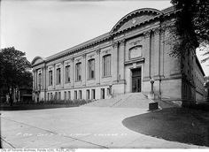 Central Library -South elevation of  northwest corner of College and St. George streets - City of Toronto Archives - circa October 1913 - Fonds 1231 item 722 - James Salmon Collection.