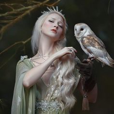 Maria Amanda  & owl Skippy in my fairytale dimension  #agnieszkalorek #fairy #fairytale #fairyprincess #style #fantasy #bird #owl #love #to #nature #shoot #instalove #instagirl #instacool #inspiration #inspire #crown #crystals #fineart #whitehair #dress #romantic #lovely #face #magic