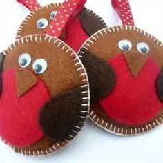 Christmas felt robins = cute Could these be filled with something to warm your hands in pockets? Fix them to match kids coats?