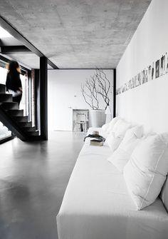 Monica Rusconi | foto : Morten Holtum via (my) unfinished home, love the couch.