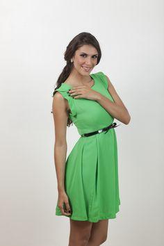 Vestido verde con faja negra