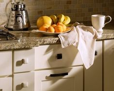 Shop for cabinets from the online cabinet retailer. Transform your space into the kitchen of your dreams with wholesale kitchen cabinets online. Cream Shaker Kitchen, Cream Kitchen Cabinets, White Shaker Cabinets, New Kitchen, Kitchen Decor, Kitchen Ideas, Kitchen Tile, Kitchen Backsplash Inspiration, Backsplash Ideas