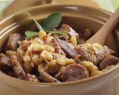 Cassoulet allégé de saucisses et haricots à l'Actifry : http://www.fourchette-et-bikini.fr/recettes/recettes-minceur/cassoulet-allege-de-saucisses-et-haricots-lactifry.html