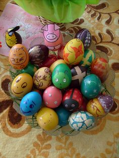 Easter's coloured eggs Easter Colors, Easter Eggs, Ideas, Thoughts