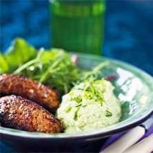 Köttfärsbiffar med grönsakspuré - Recept - Tasteline.com