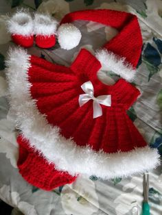 Crochet Baby Girl Christmas crochet baby dress set with dress hat booties and - Baby Girl Crochet, Crochet Baby Clothes, Crochet Baby Hats, Crochet Gifts, Baby Knitting, Booties Crochet, Free Knitting, Girl Dress Patterns, Baby Patterns